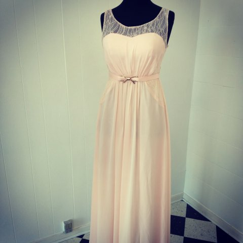 85a7bf8d5583 lang kjole sart rosa